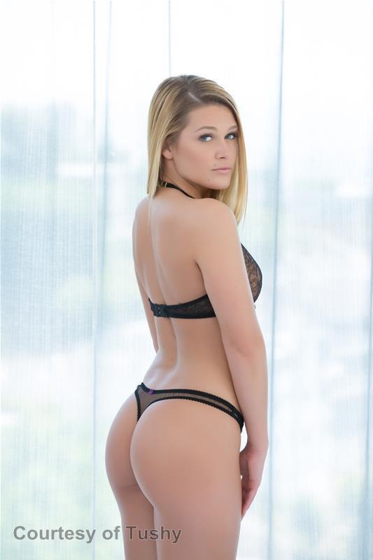 [Image: Abby-Cross-topless-naked-nude_10.jpg]