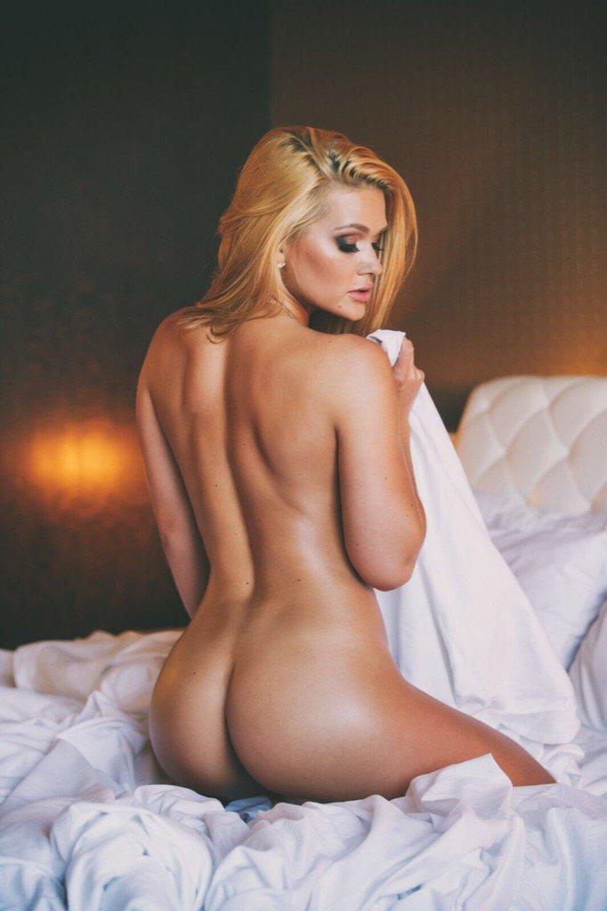 [Image: Abby-Cross-topless-naked-nude_7.jpg]