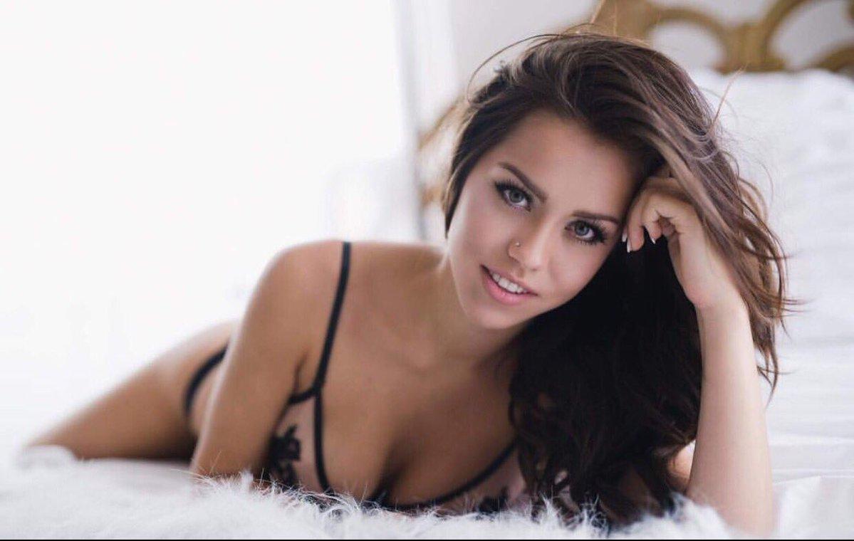 [Image: Alina-Lopez-topless-naked-nude_11.jpg]
