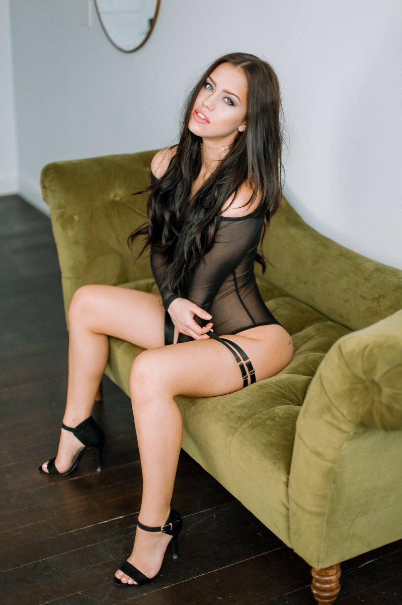 [Image: Alina-Lopez-topless-naked-nude_2.jpg]