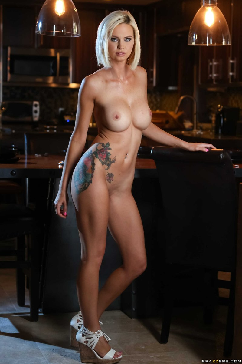 Astrid Naked pics of