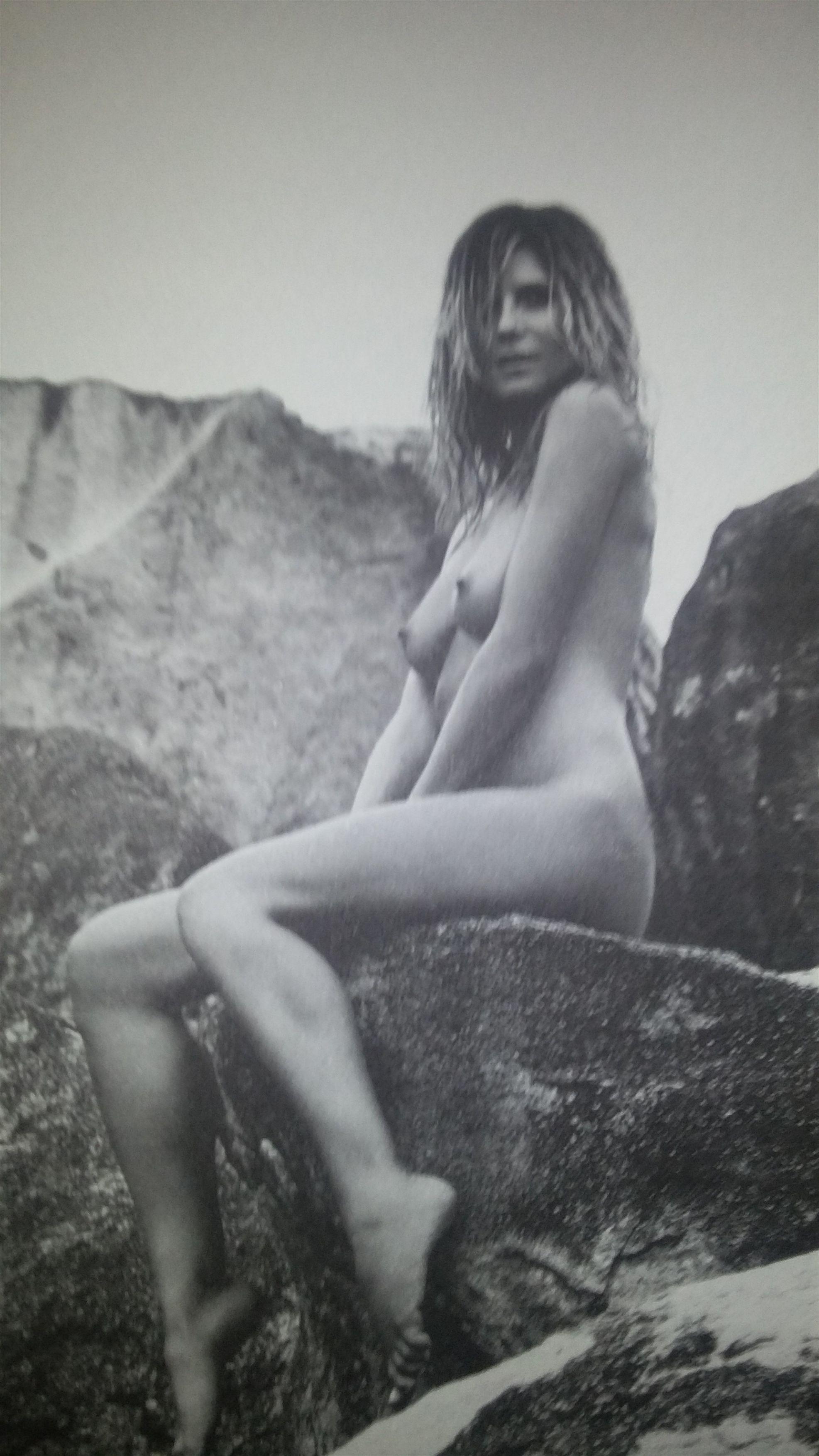 [Image: Heidi-Klum-naked.jpg]