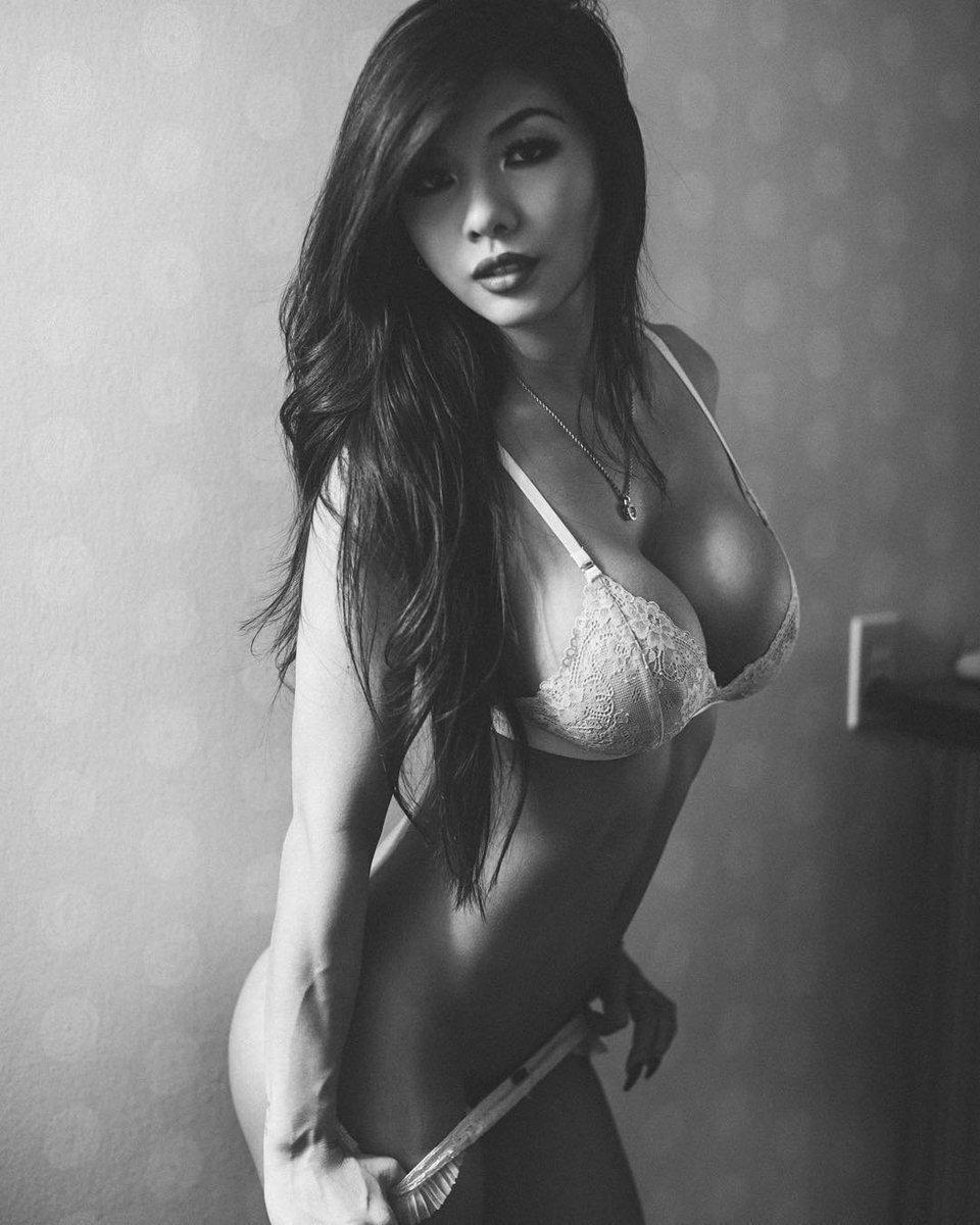 Lexi vixi topless