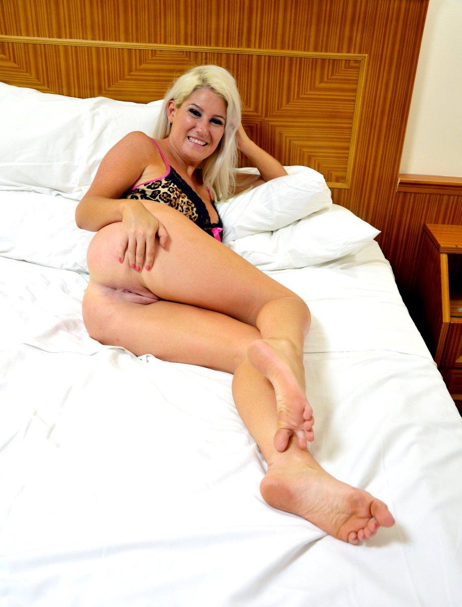 elissa girl fuck girl