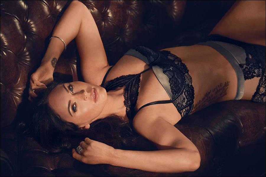 [Image: Megan-Fox-lingerie_3.jpg]