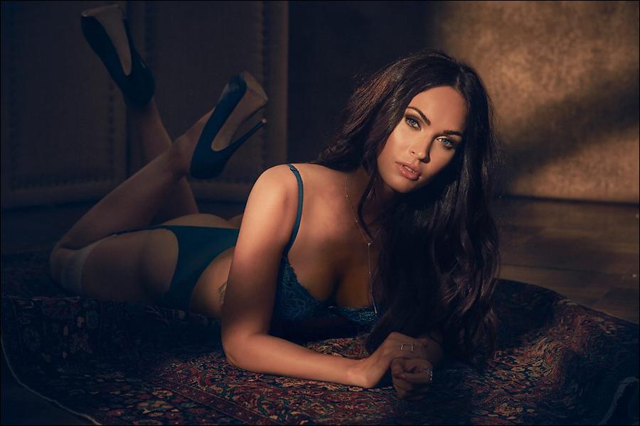 [Image: Megan-Fox-lingerie_4.jpg]