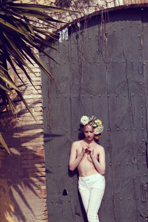 [Image: brynja-jonbjarnardottir-topless-naked-nude_19.jpg]