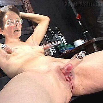 Amateur wife milks prostate blowjob sucks head swallows cum 3